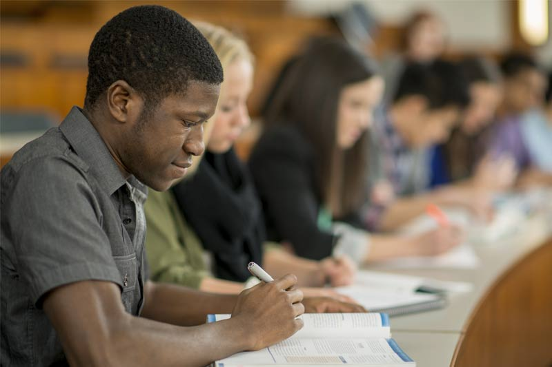 What to Consider When Choosing a Bar Exam Review Course